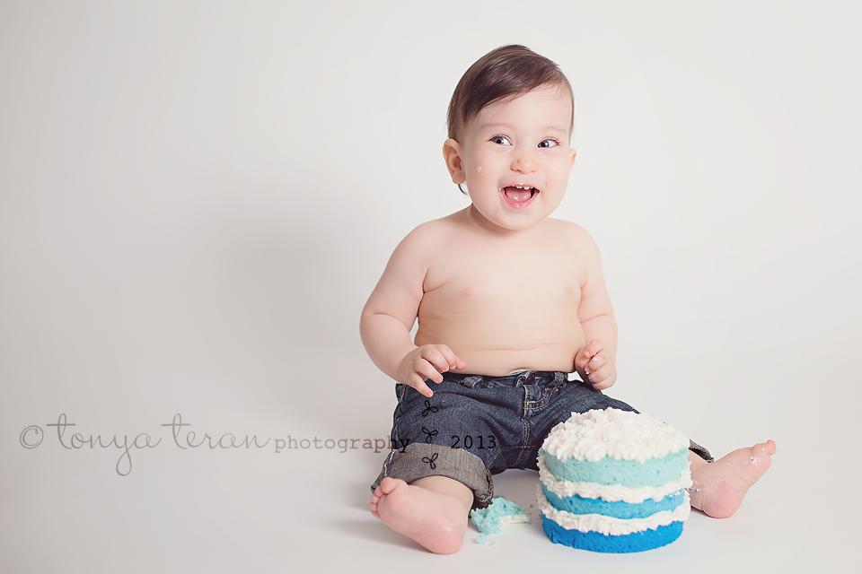Rockville, MD Baby Birthday Cake Smash Photographer   Tonya Teran Photography