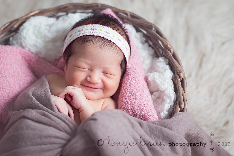 newborn smile | Rockville, MD newborn photographer Tonya Teran Photography