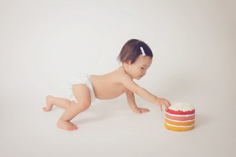 Studio 1st birthday cake smash | Tonya Teran Photography - Rockville, MD newborn baby and family photographer