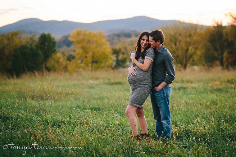 Mini Maternity Outdoor Photo Session | Tonya Teran Photography, Frederick, MD Newborn, Baby, and Family Photographer
