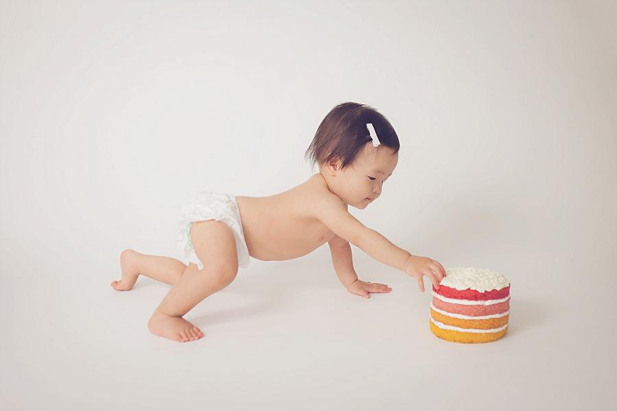 Studio 1st birthday cake smash   Tonya Teran Photography - Rockville, MD newborn baby and family photographer