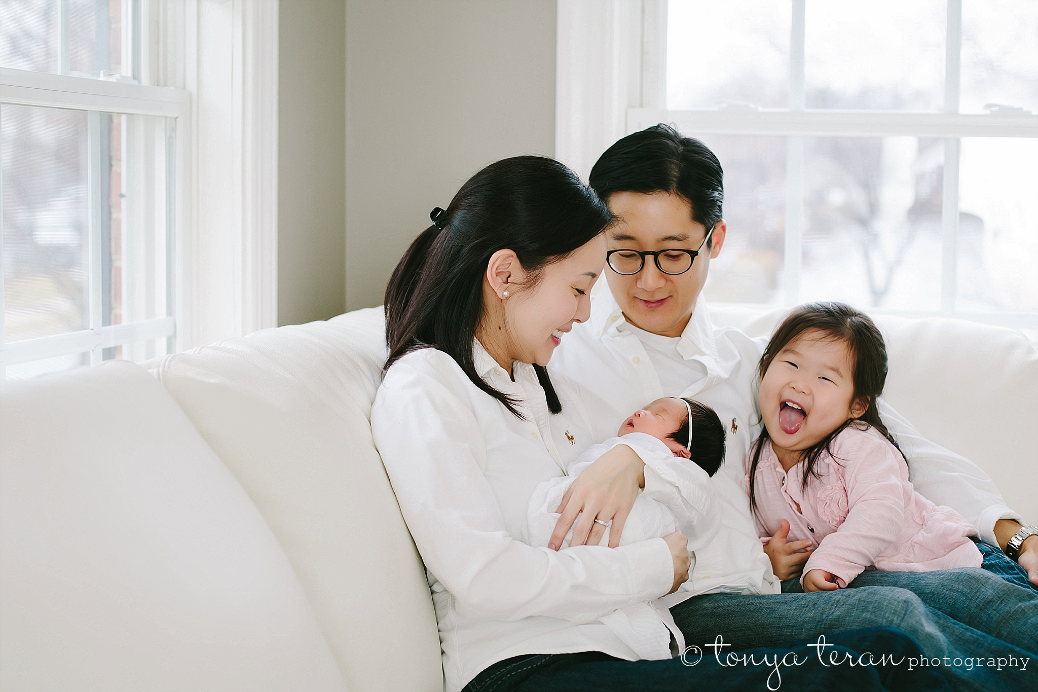 Lifestyle Family Newborn Photo Session | Tonya Teran Photography, Gaithersburg, MD Newborn, Baby, and Family Photographer
