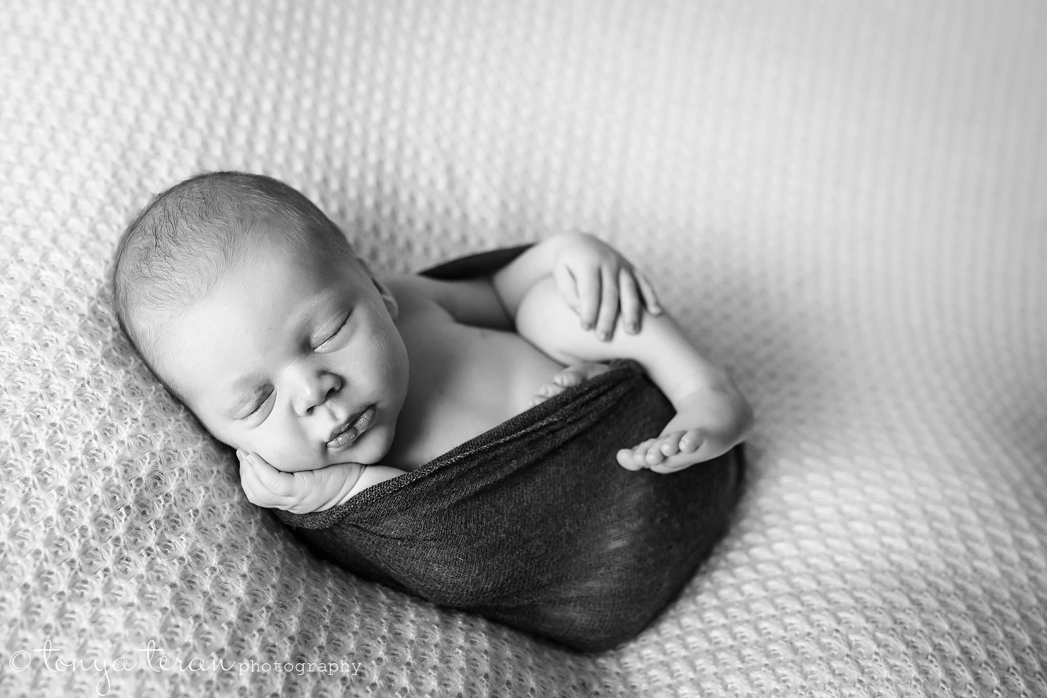 Newborn Photo Session | Tonya Teran Photography, McLean, VA Newborn, Baby, and Family Photographer